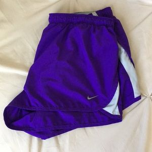 • NIKE DRI-FIT RUNNING SHORTS •